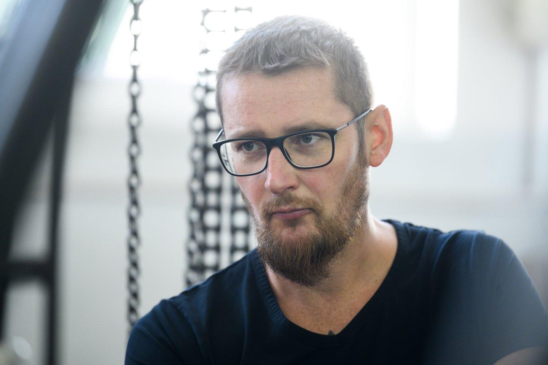 Projekto galva, širdis ir siela – Lietuvos kariuomenės atsargos majoras ir ginkluotės entuziastas Darius Antanaitis.<br>V. Skaraičio nuotr.