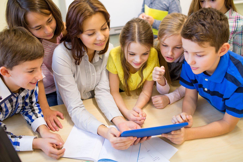 Skaitmeninių priemonių rinkinys, sudarytas iš įvairių edukacinių žaidimų, gali pakeisti tradicinius ir mažiau veiksmingus mokymo metodus.<br>123RF nuotr.