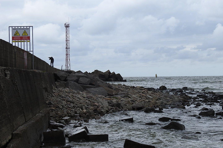 Šiaurinis jūrų uosto bangolaužis.<br>G.Pilaičio nuotr.