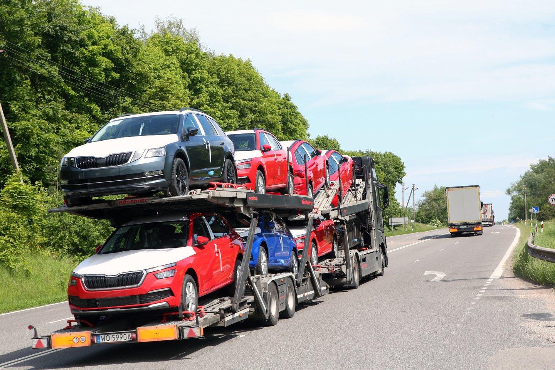 JK autopramonės rinka yra gana didelė, tačiau ji daugiausia orientuota į eksporto rinkas ES.<br>M.Patašiaus nuotr.