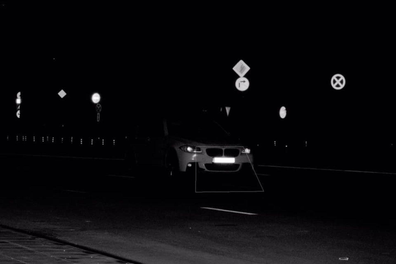 """Užfiksuotas automobilis """"BMW"""", kuris, vietoj nustatytų 50 km/val., važiavo kur kas greičiau – 130 km/val. greičiu.<br>Kauno apskrities VPK nuotr."""