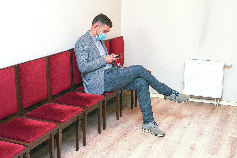 """Pirmadienį teisme liudijęs V.Griškevičius (nuotr.) stebėjosi keistomis """"Snoro"""" viceprezidento N.Stanciko užduotimis.<br>V.Ščiavinsko nuotr."""