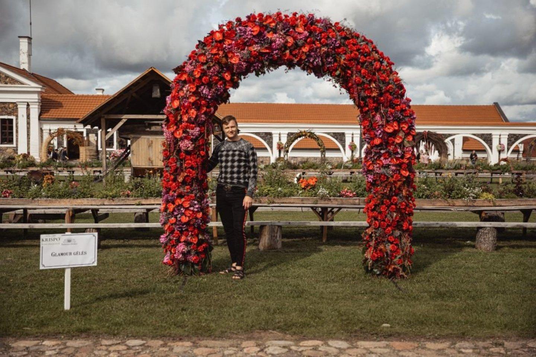 """""""Glamour gėlės"""" arka.<br>Organizatorių nuotr."""