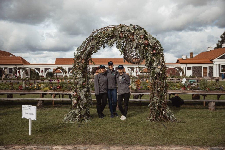 """""""Pasaulio gėlės""""arka.<br>Organizatorių nuotr."""