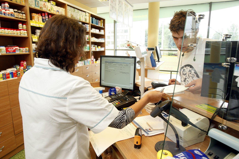 Pasak K. Nemaniūtė-Gagės, vaistinių sektorius yra visiškai reguliuojamas valstybės, todėl teiginiai, kad tik įsteigus valstybines vaistines vaistai šalies gyventojams taps prieinamesni ir pigesni, nėra logiški. <br>R.Danisevičiaus nuotr.