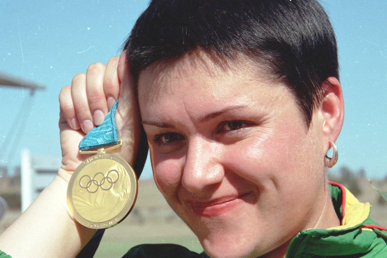 2000-ųjų žaidynėse Sesilio parko šaudykloje 34-erių D.Gudzinevičiūtė surinko 93 taškus ir pasiekė olimpinį rekordą.<br>LR nuotr.