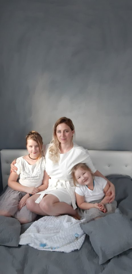 Savo dukreles Lina vadina tiesiog stebuklingomis.<br>Asmeninio archyvo nuotr.