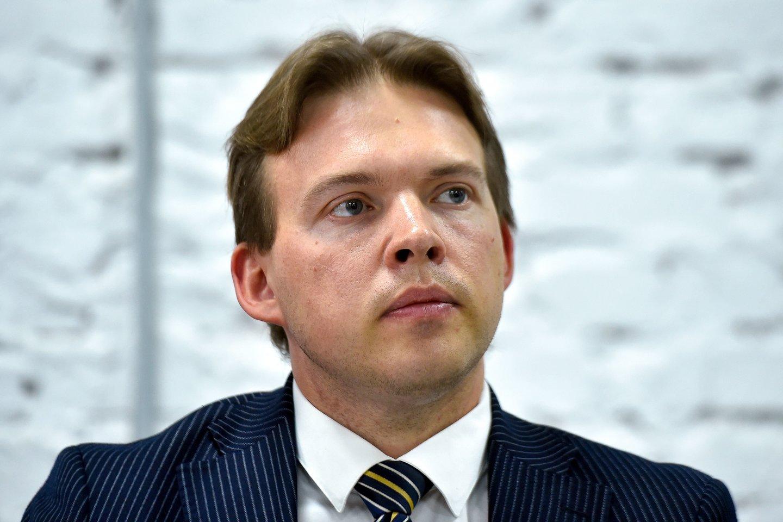 Baltarusijos opozicijos Koordinacinės tarybos narys Maksimas Znakas, kuriam buvo pareikšti kaltinimai raginus imtis veiksmų, keliančių grėsmę nacionaliniam saugumui, nuo penktadienio paskelbė bado streiką. <br>AFP/Scanpix nuotr.