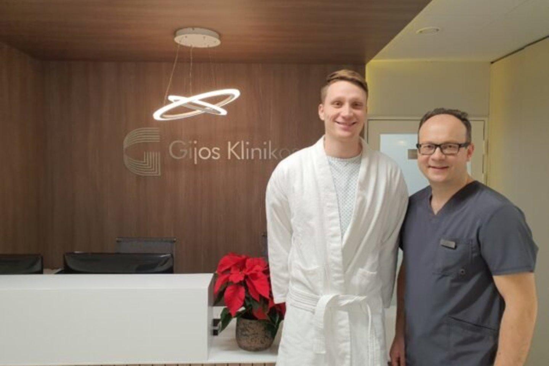 Mariui Grigoniui pėdos operaciją atliko ortopedas Gintautas Pocius.<br>LKF nuotr.