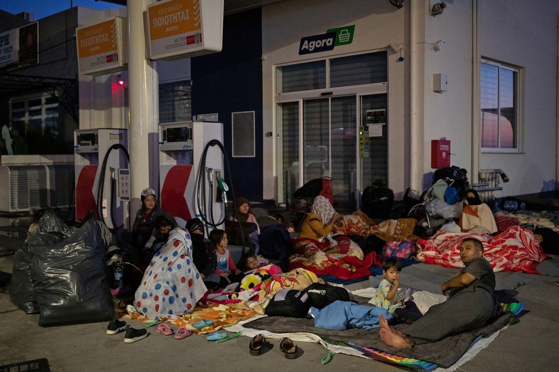 Po kelerių metų chaoso ir ginčų galiausiai pripažinusi, kad jos brangiai atsieinanti prieglobsčio sistema neveikia, Europos Sąjunga trečiadienį pristatė nuodugniai peržiūrėtas taisykles, viliantis, kad daugiau šalių pagaliau sutiks prisiimti dalį atsakomybės už žmones, atvykstančius į Europą ieškoti saugaus prieglobsčio ar geresnio gyvenimo.<br>Reuters/Scanpix nuotr