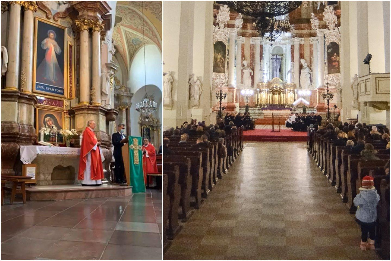 Mišiose dalyvavęs Lenkų rinkimų akcijos – Krikščioniškų šeimų sąjungos (LLRA-KŠS) sąrašo lyderis Zbignevas Jedinskis vėliau iškilmingai atsistojęs šalia kunigo perskaitė vieną iš maldavimų.<br>Lrytas.lt koliažas