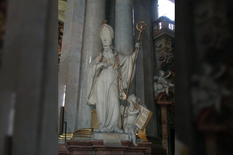 Šv. Bazilijaus skulptūra Prahos bažnyčioje.<br>Wikimedia commons