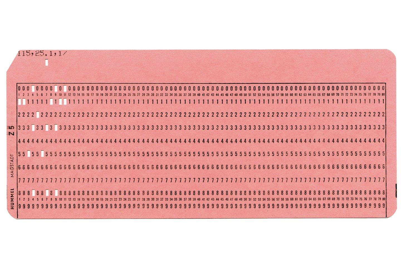 Dar prieš šiuolaikinius kompiuterius buvo naudojamos griozdiškos skaičiavimo mašinos, kurioms užduotys buvo pateikiamos naudojant perfokortas.