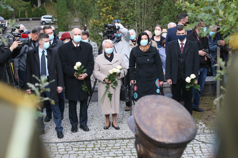 Paminklo atidengimo A.Ramanauskui-Vanagui ceremonija.<br>R.Danisevičiaus nuotr.