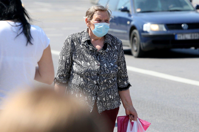 Bauginanti prognozė: dėl koronaviruso skurde atsidurs daugiau nei 100 mln. žmonių.<br>R.Danisevičiaus nuotr.