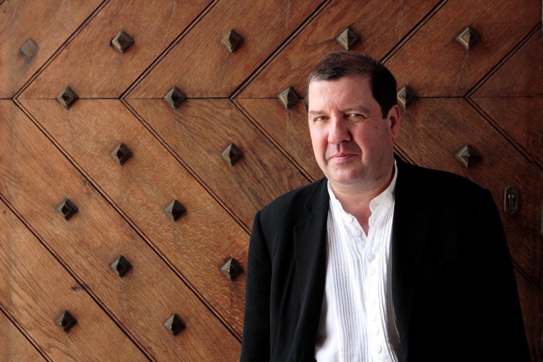 """I.Boltonas derina vyriausiasiojo dirigento pareigas Bazelio simfoniniame orkestre, Madrido """"Teatro Real"""" orkestre, Drezdeno festivalio orkestre ir Zalcburgo """"Mozarteum"""" orkestre. Didžiojoje Britanijoje jis yra """"English Touring Opera"""" ir """"Glyndebourne Touring Opera"""" muzikos direktorius, taip pat Škotijos kamerinio orkestro vyriausiasis dirigentas.<br>B.Wright nuotr."""