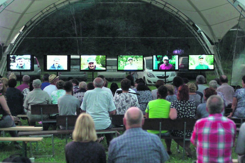 2018 m. Gustonių kaime buvo surengtas festivalis, kuriame buvo parodyti šeši filmai.<br>Kadras iš filmo.