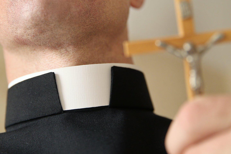 Lenkijoje rekordiškai daugėjant susirgimų ir mirčių nuo konoraviruso visuomenę pribloškė arogantiškas ir neatsakingas Bažnyčios hierarchų elgesys.<br>Zuma Press/Scanpix nuotr.