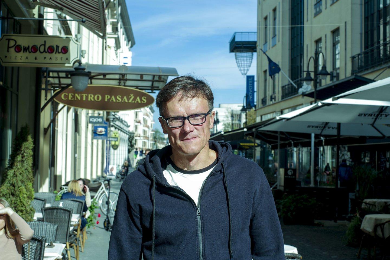 """D.Žiūra: """"Man visada atrodė, kad netoli Latvijos sienos esantys Gustoniai yra kažkuo ypatinga vieta.""""<br>V.Ščiavinsko nuotr."""