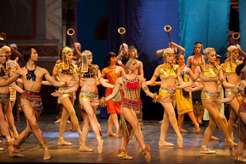 """""""Kleopatros"""" premjeras lydėjo anšlagai, baletas stebino užmoju, prabangiomis dekoracijomis ir kostiumais.<br>Asmeninio archyvo nuotr."""