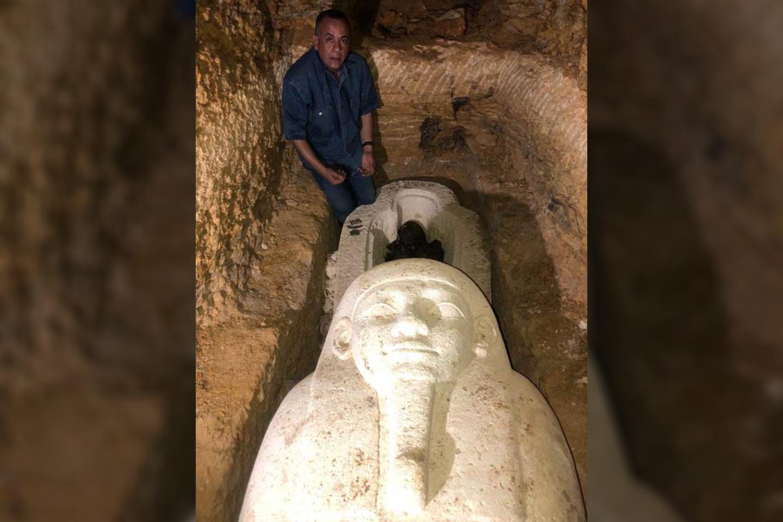 """Sarkofagas buvo atrastas penkių metrų gylio laidojimo šachtoje.<br>""""Ahram Online"""" nuotr."""