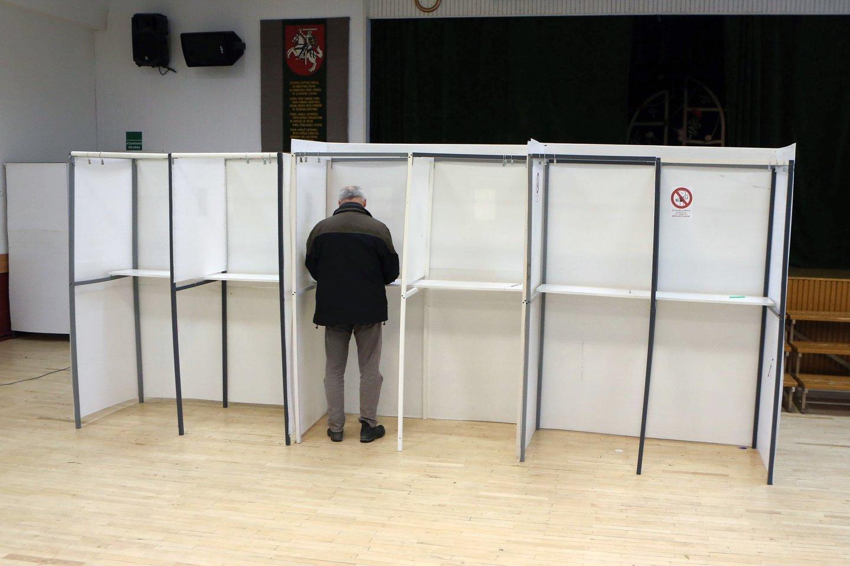 Šis penktadienis buvo paskutinė diena, kai kandidatai ir jų rėmėjai gali agituoti prieš sekmadienį vyksiantį Seimo rinkimų antrąjį turą.<br>M.Patašiaus nuotr.