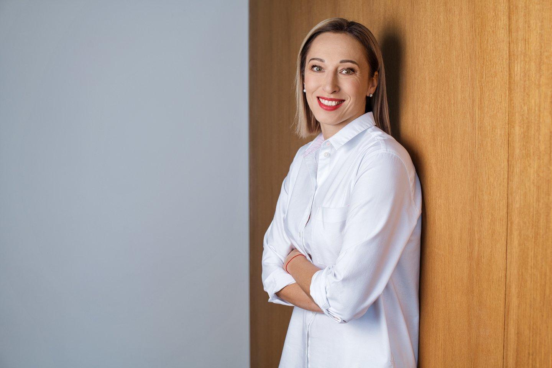 Finansinio raštingumo ekspertė Jūratė Cvilikienė pataria tėvams kalbėtis apie gimtadienio išlaidas.<br>Asmeninio archyvo nuotr.