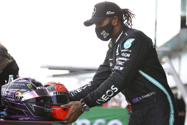 """Pasaulio sporto savaitė: """"Giro d'Italia"""" drama, rekordinė L.Hamiltono pergalė ir atgijusios Šešios tautos.<br>AP/Scanpix nuotr."""