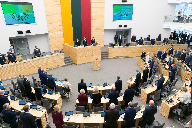 58 – tiek dabartinių Seimo narių jau už mėnesio teks atsisveikinti su šalies parlamento koridoriais – rinkėjų sprendimų, jie nebuvo perrinkti darsyk.<br>T.Bauro nuotr.