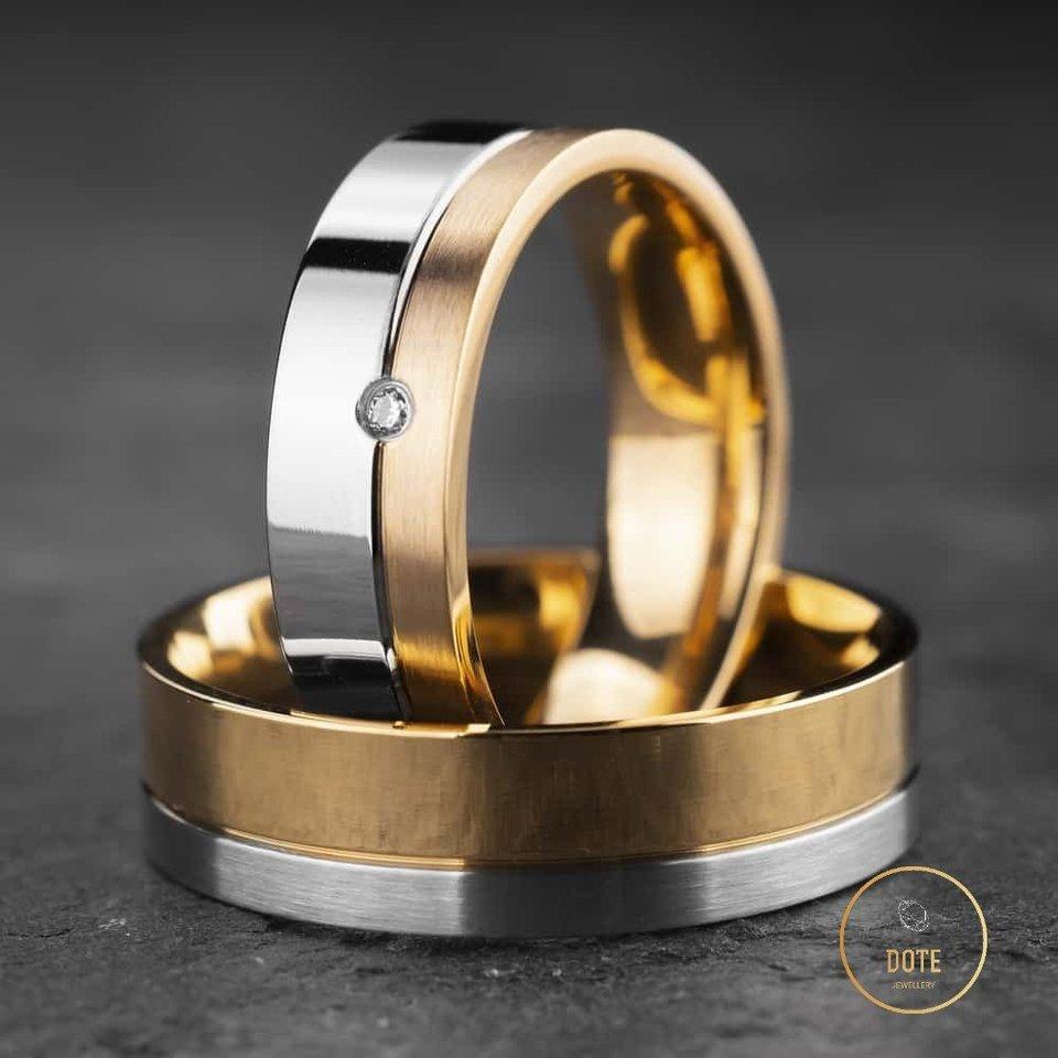 """Miksuoto aukso žiedai.<br>""""Dotė juvelyrika"""" nuotr."""