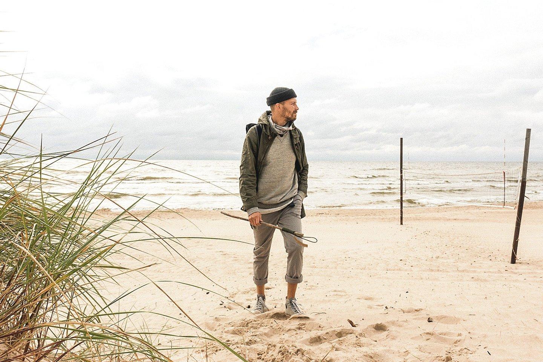 T.Černiauskas kasdien ilgai vaikščiodavo pajūriu, net 12 kilometrų iki Palangos nueidavo padirbėti.<br>T.Černiausko nuotr.