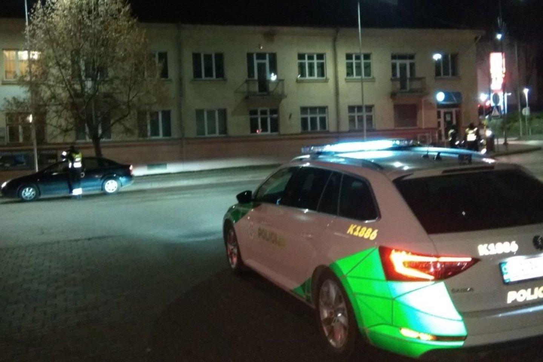 Neblaivūs vairuotojai tikrai negali jaustis nebaudžiami, mat įvairias policines priemones organizuoja patruliuojantys Kėdainių rajono policijos komisariato pareigūnai.<br>D.Kuprijanovo nuotr.