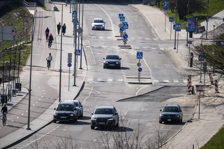 Greitis mažinamas siekiant užtikrinti saugų eismą.<br>V.Skaraičio nuotr.