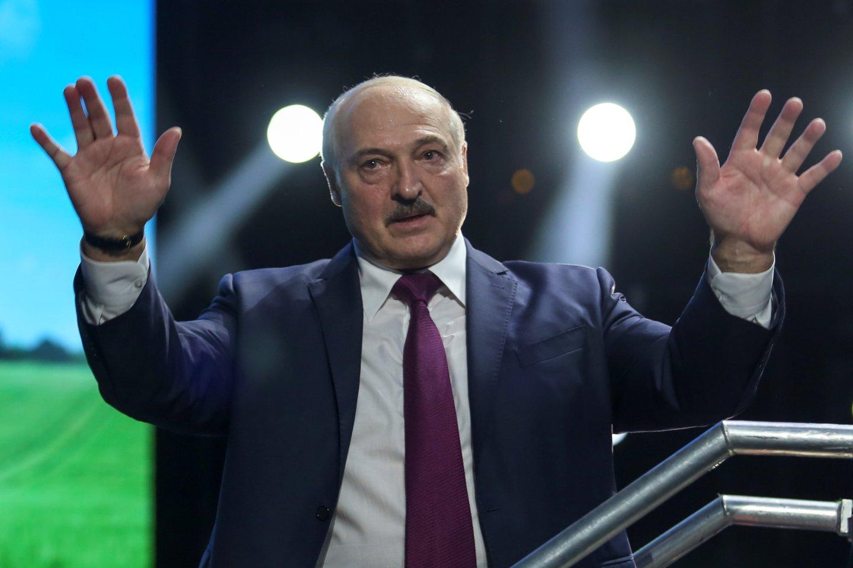 A.Lukašenka ne kartą kaltino užsienio valstybes, ypač artimiausias kaimynes, esą šios diriguoja opozicijos potestams Baltarusijoje.<br>Reuters/Scanpix nuotr.