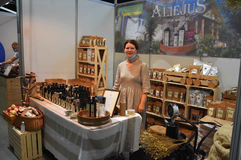 A.Katinienė – rugsėjį vykusioje parodoje Panevėžyje.<br>A.Srėbalienės nuotr.