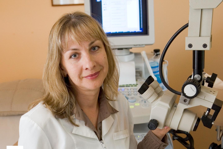VUL Santaros klinikų Akušerijos ir ginekologijos centro gydytoja akušerė-ginekologė prof. Žana Bumbulienė dažniausiai būna pirmasis medikas, pastebėjęs valgymo sutrikimų problemą.<br>G.Skaraitienės nuotr.