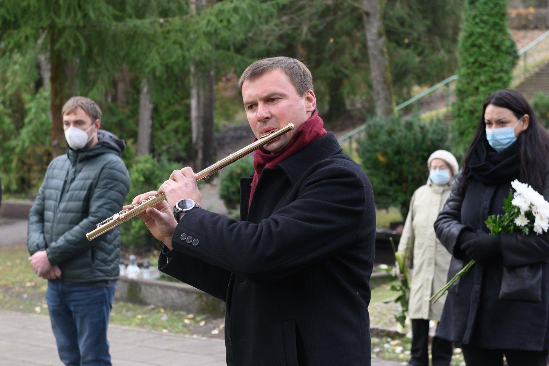 Kompozitorius Faustas Latėnas išlydėtas į paskutinę kelionę.<br>V.Skaraičio nuotr.
