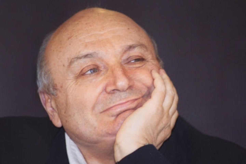 M.Žvaneckis.