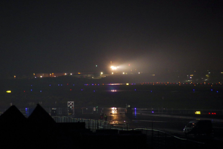 Tamsoje lėktuvui teko leistis avariniu būdu.<br>V.Ščiavinsko asociatyvi nuotr.