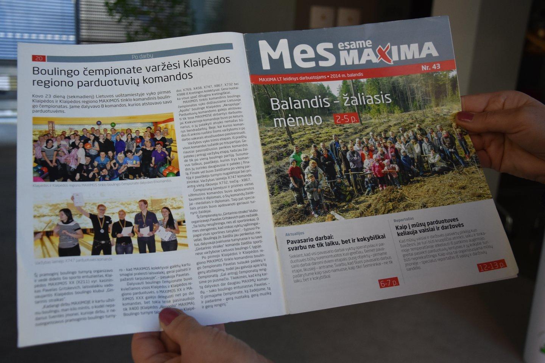 """""""Čia mes"""", – Daiva išsaugojo senuosius """"Maxima"""" leidinius.<br>A.Srėbalienės nuotr."""