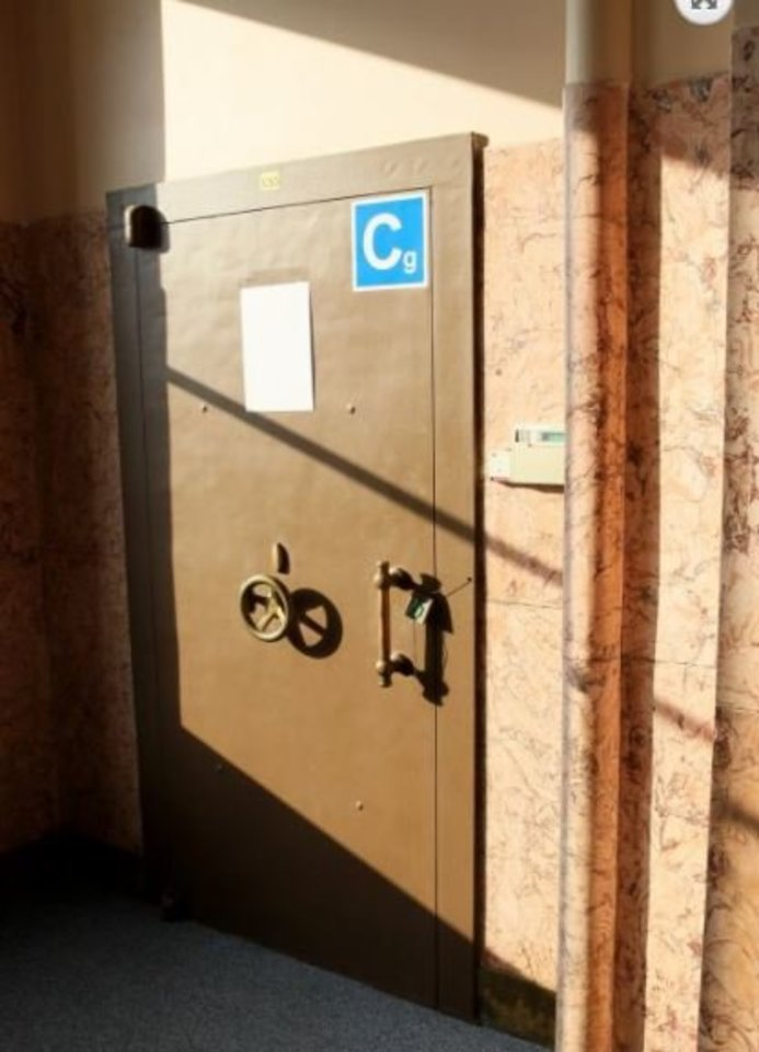 Šis seifas Žemės ūkio banke – kambariuko dydžio.<br>A.Švelnos nuotr.
