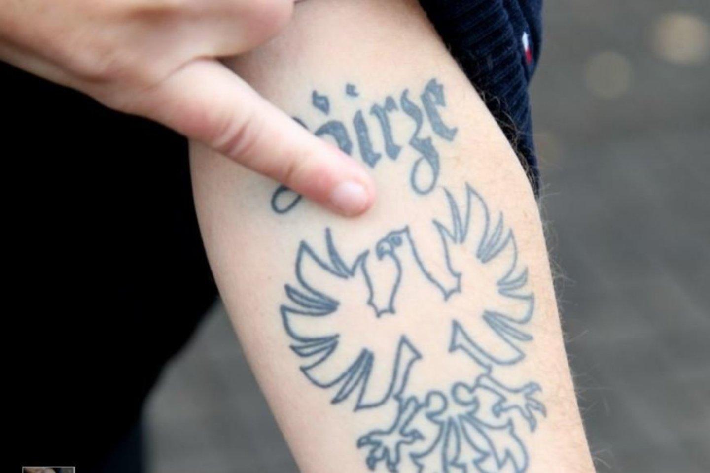 Erelio tatuiruotė – ant D.Mikelionio rankos.<br>A.Švelnos nuotr.