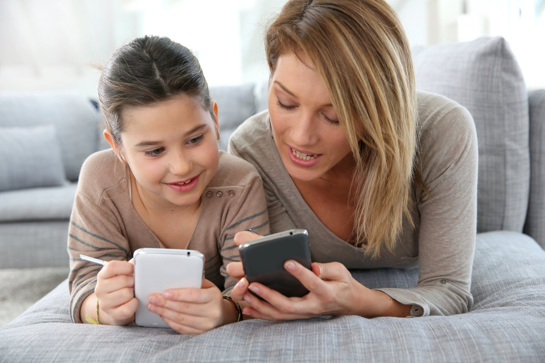 Dabar kai vaikai skaitmeninėje erdvėje ne tik pramogauja, bet ir mokosi, pokalbiai apie kibernetinį saugumą tapo dar svarbesni.<br>123rf nuotr.