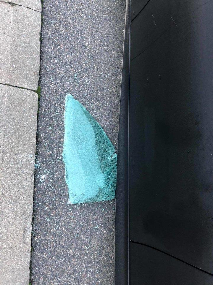 Nors automobilių saugos priemonės tampa vis pažangesnės, jomis užkirsti kelią ilgapirščiams visgi pavyksta ne visada.<br>Naujienų portalo lrytas.lt skaitytojo nuotr.