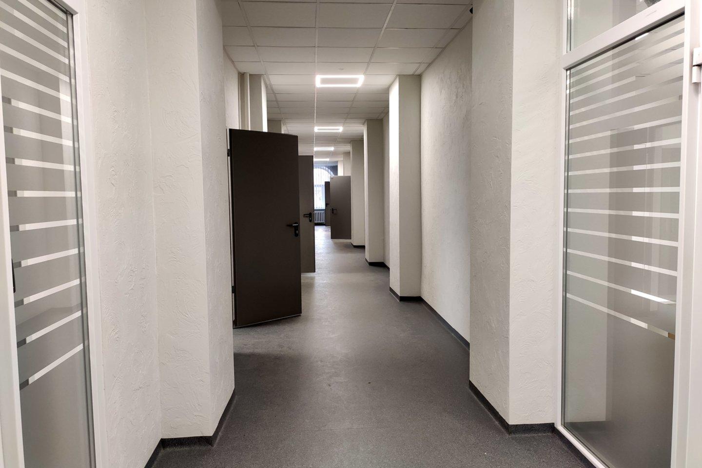 Per renovaciją buvo sutvarkyta Šiaulių miesto ir rajono policijos komisariato pastato išorė ir jo vidus.<br>Šiaulių AVPK nuotr.