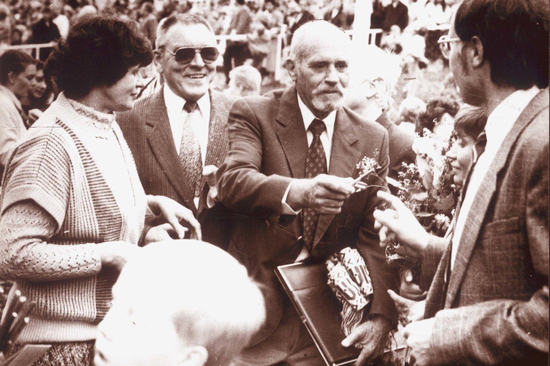 Vyriausias žygio dalyvis - iš diplomatų šeimos kilęs čikagiškis Petras Daudžvardis (dešinėje).<br>A.Gylio nuotr.