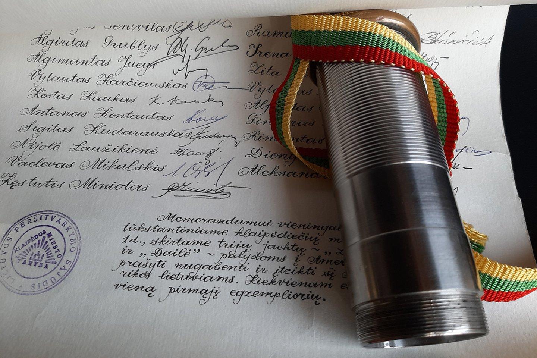 JAV lietuviai paviešino Sąjūdžio memorandumą.<br>V.Karčiausko nuotr.