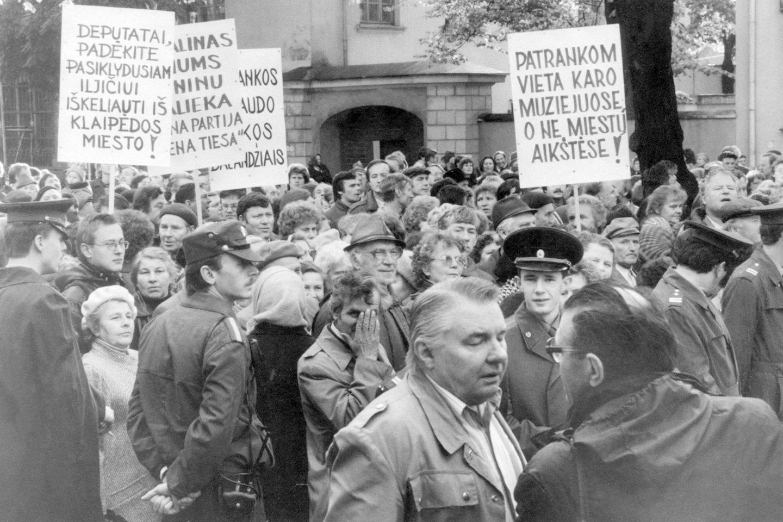 Klaipėdiečių protesto mitingas Liepų gatvėje.<br>B.Aleknavičiaus nuotr.
