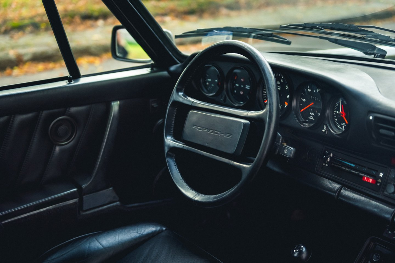 Nors automobilis dėl sąlyginai mažo svorio, jo paskirstymo ir didelės galios buvo sunkiai suvaldomas nepatyrusių vairuotojų.<br>V.Pilkausko nuotr.