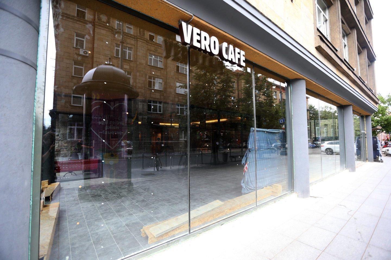 """Sprendimai tvarkant patalpas, šalia kurių įsikūrusi kavinė """"Vero cafe"""", 2018 metų vasarą sukėlė daug diskusijų viešojoje erdvėje.<br>R.Danisevičiaus nuotr."""